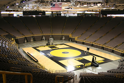 Ui S Carver Hawkeye Arena Roofing Contractor Wins