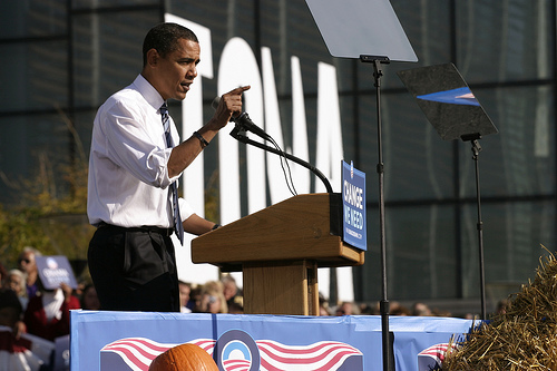 Obama visits Iowa in 2003. Photo by TushyD, Flickr.