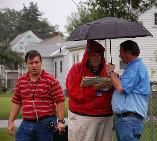 664px-FEMA_-_44906_-_Flood_Responders_in_Iowa