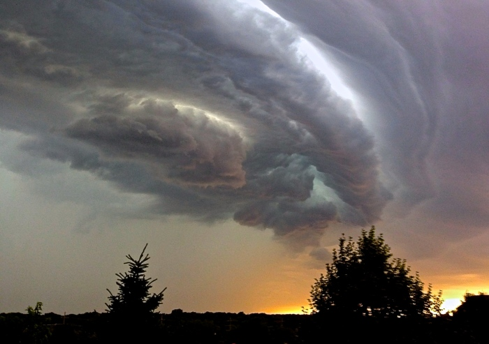 2012 derecho; Photo by Meridith112, Flickr.