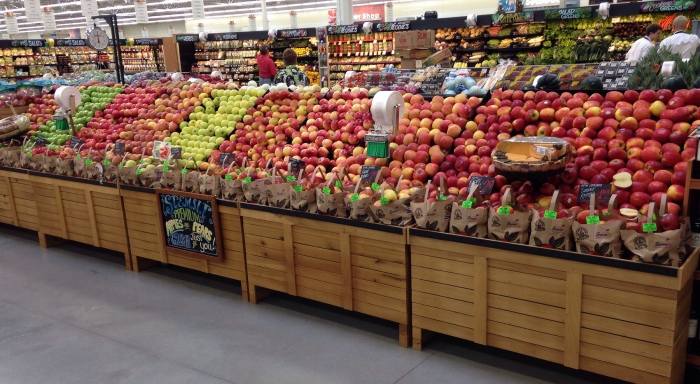 The produce section of a Hy-Vee in Ankeny, Iowa (Douglas Porter/Flickr)