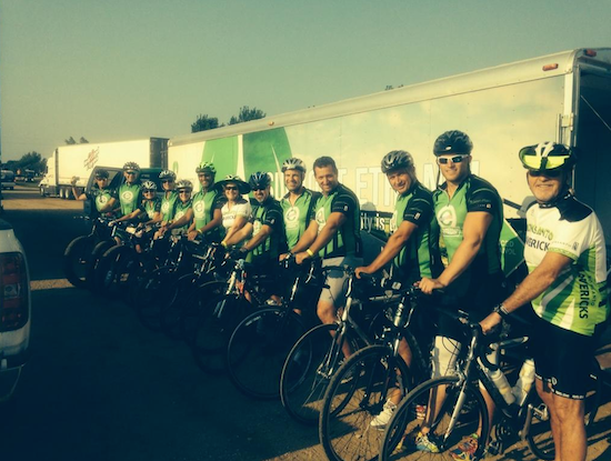 Members of the American Ethanol RAGBRAI team. Photo via GrowthEnergy.org