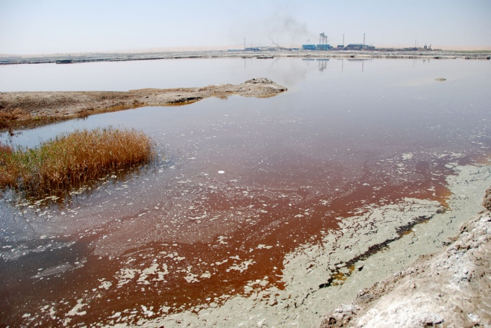 Water pollution in China. (Bert van Dijk/Flickr)