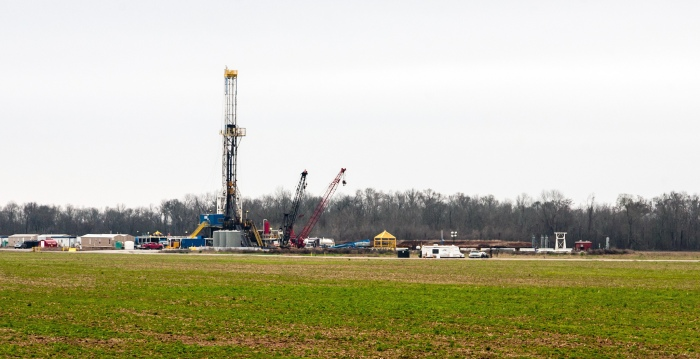 A natural gas fracking operation in Shreveport, Louisiana. (Daniel Foster/Flickr)