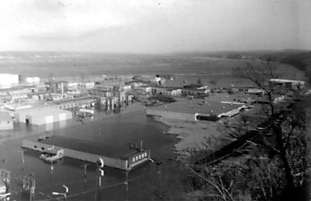 Following the Flood of 1965 (pictured) the city erected a floodwall. (Wikimedia)