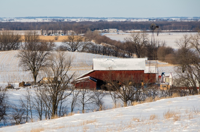 A snowy farm in rural Iowa. (Alexandra Stevenson/Flickr)