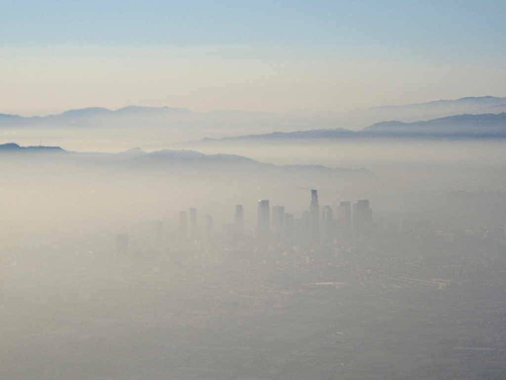 Extreme smog over Los Angeles from a 1995 archive photo. (Metro Library/Flickr)