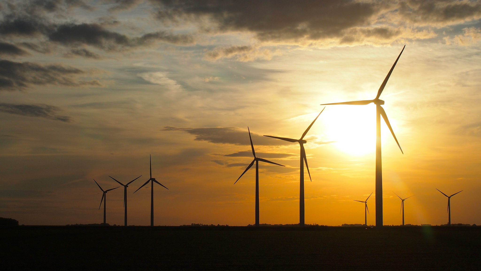 Iowa generated 27 percent of its electricity from wind energy last year which ranked highest in the country. (Samir Luther/Flickr)