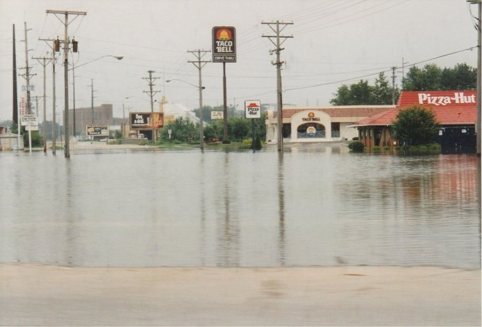 Coralville, Iowa during the Flood of 1993. (Alan Light/Flickr)