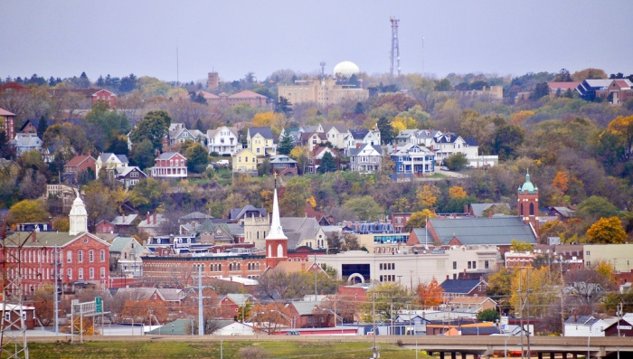Downtown Dubuque, Iowa (SD Dirk / Flickr)
