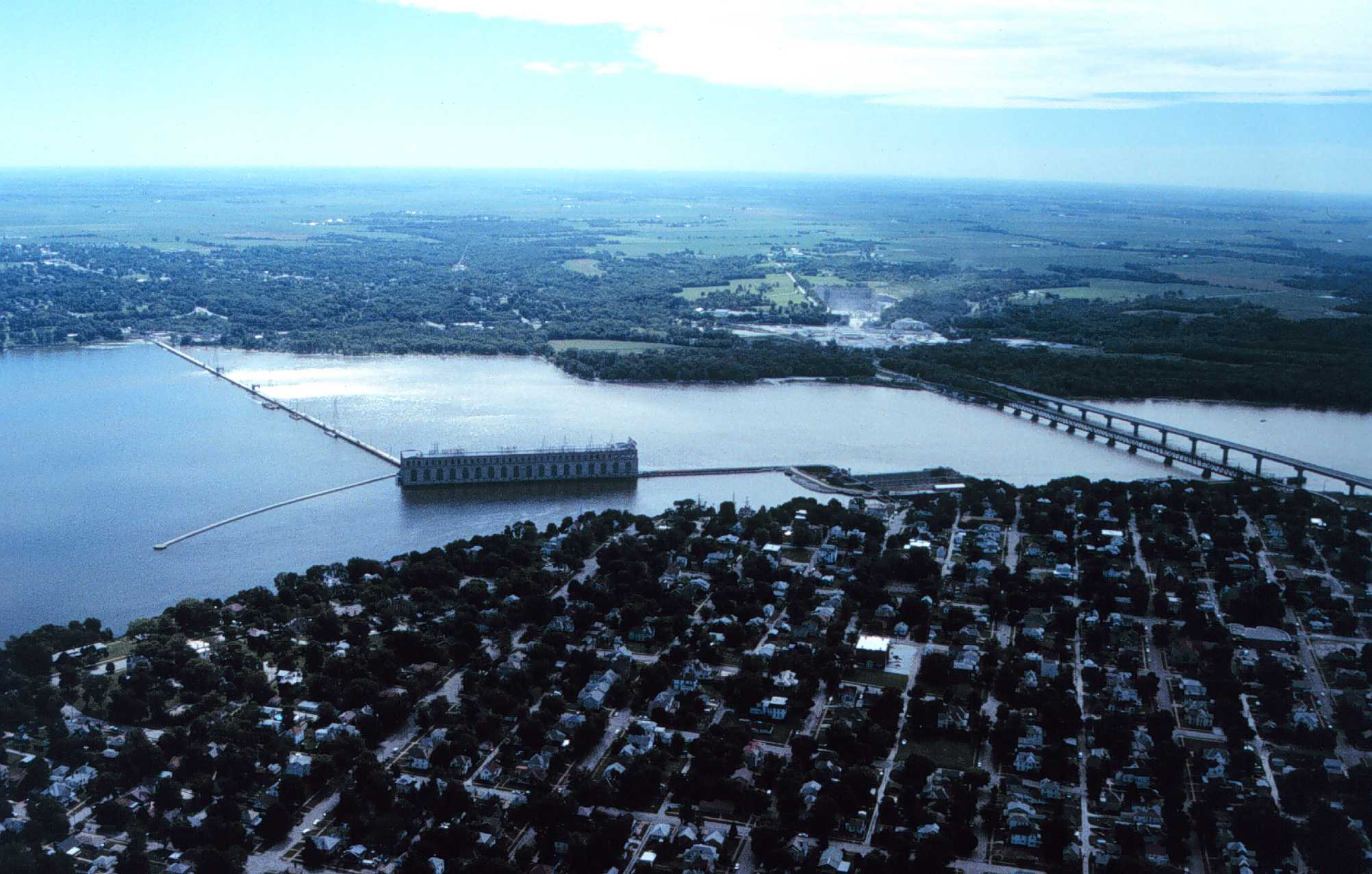 An aerial shot of the Mississippi River near Keokuk. (Dual Freq/Wikimedia Commons)