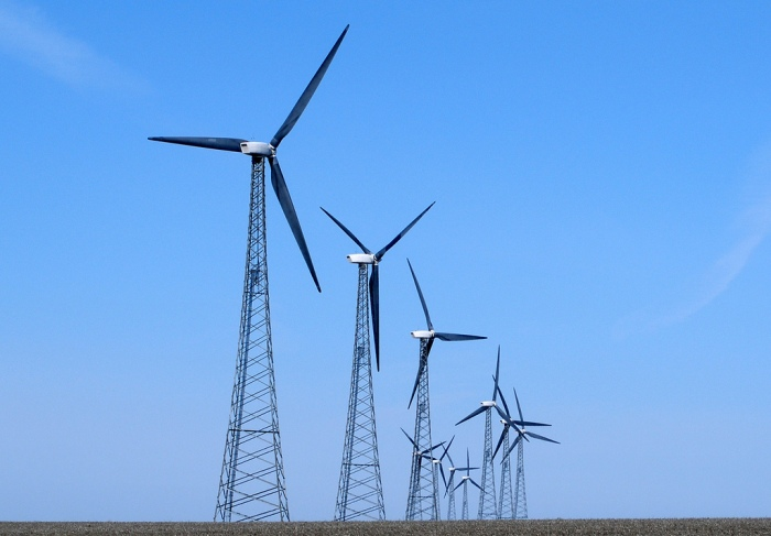 Turbines from a wind farm in northwest Iowa. (Jim Hammer/Flickr)