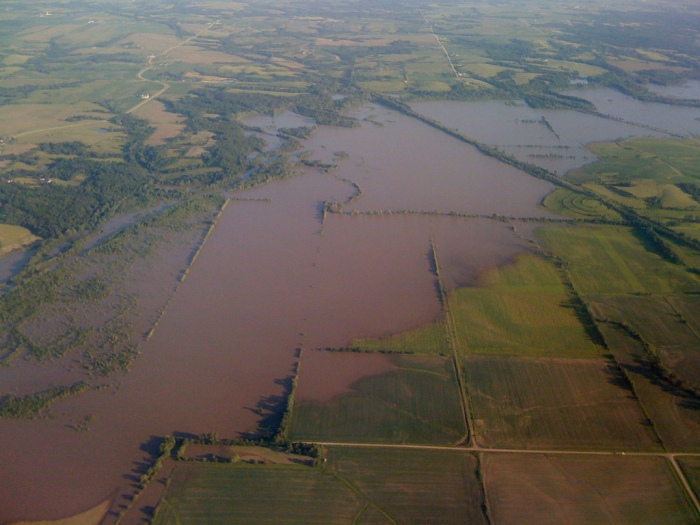 A flooded field during the flood of 2008 ( Joe Germuska / Flickr)