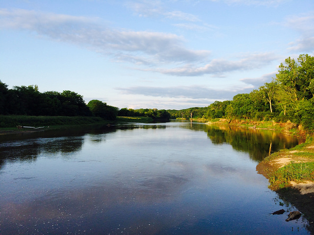 The Raccoon River near Walnut Woods State Park in Des Moines. (Christine Warner Hawks/Flickr)