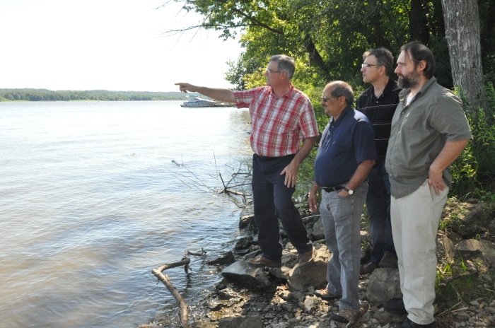 Doug Schnoebelen, left, explains early 20th century mussel production along the Mississippi River during the CZO-IML conference on July 29, 2015. (Photo by Nick Fetty)