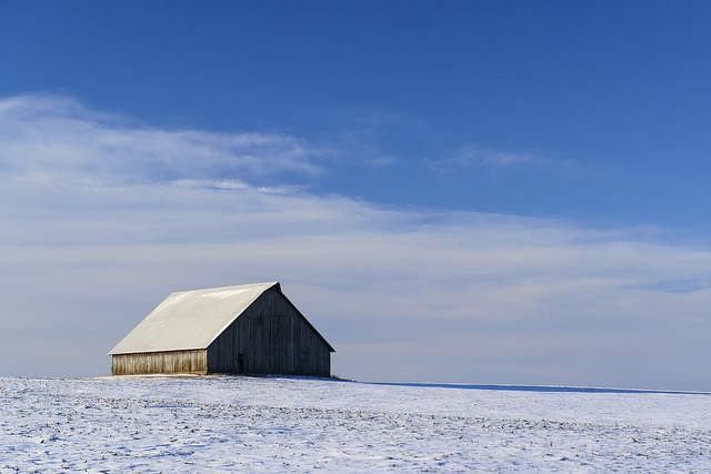 A barn and snow covered field in southern Linn County. (Rich Herrmann/Flickr)
