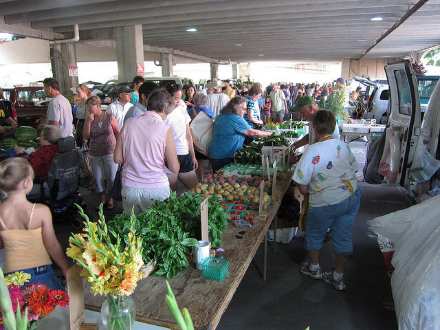 A shot from the Iowa City Farmers Market in 2011. (Alan Light/Flickr)