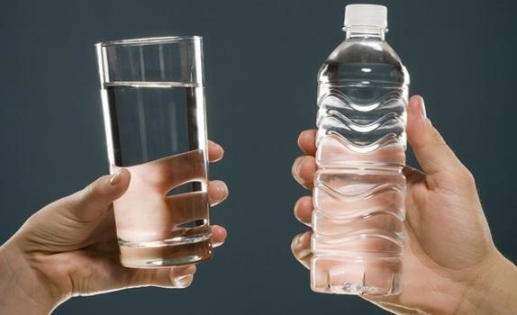 bottled-vs-tap-5-reasons-why-you-should-choose-city-water-over-plastic.w1456