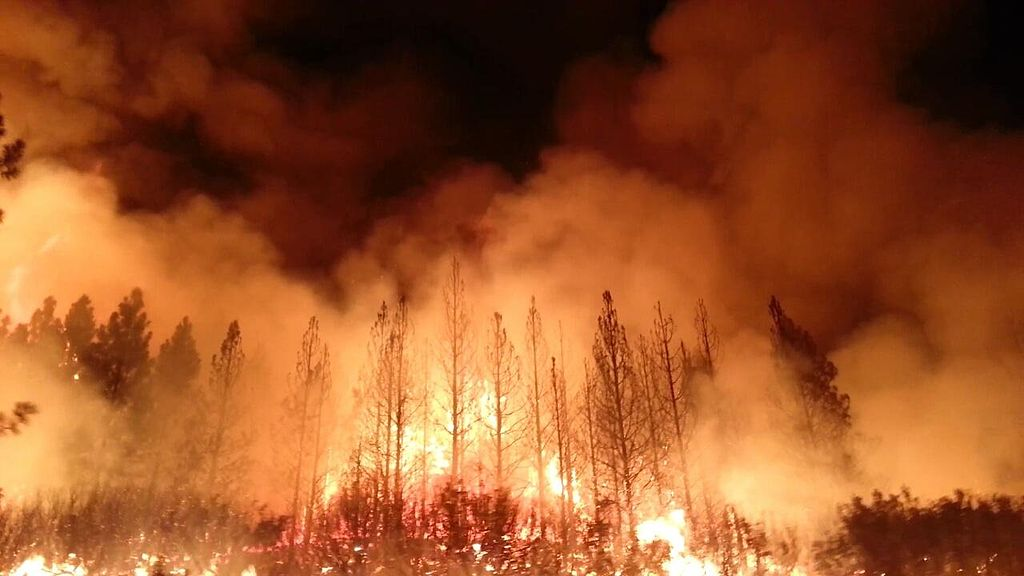 The_Rim_Fire_in_the_Stanislaus_National_Forest_near_in_California_began_on_Aug._17,_2013-0004